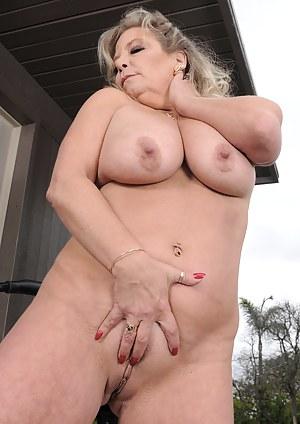 Big Boobs Piercing Porn Pictures